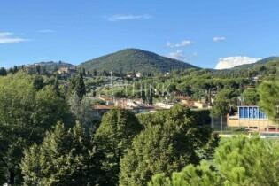 Tre Vani Con Ascensore E Terrazza, Zona Coverciano Rif.B