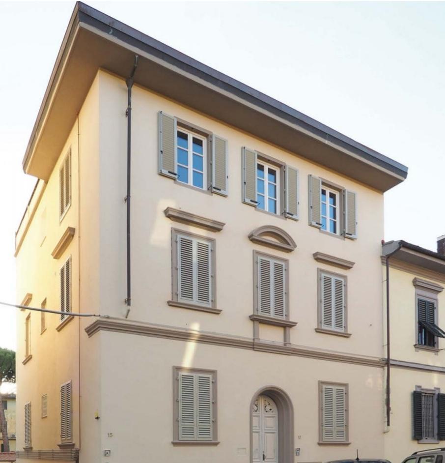 Vendita Bilocale appena ristrutturato con resede esterna e posto auto, Campo di Marte, Firenze
