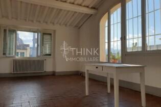 Affitto appartamento  158 mq. panoramico da arredare Firenze centro