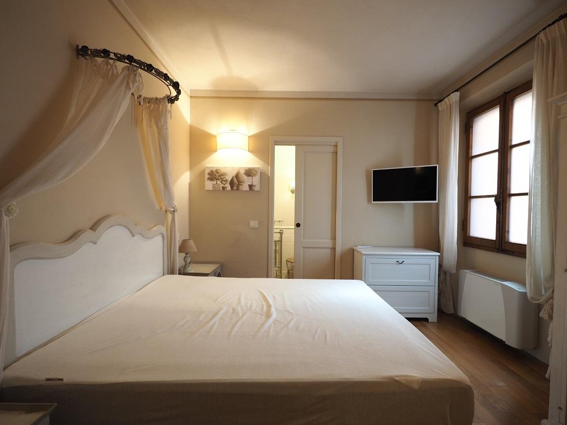 Affitto appartamento elegante Firenze Cure